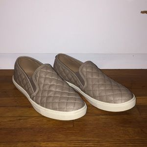 Cute taupe Steve Madden shoes size 9M!